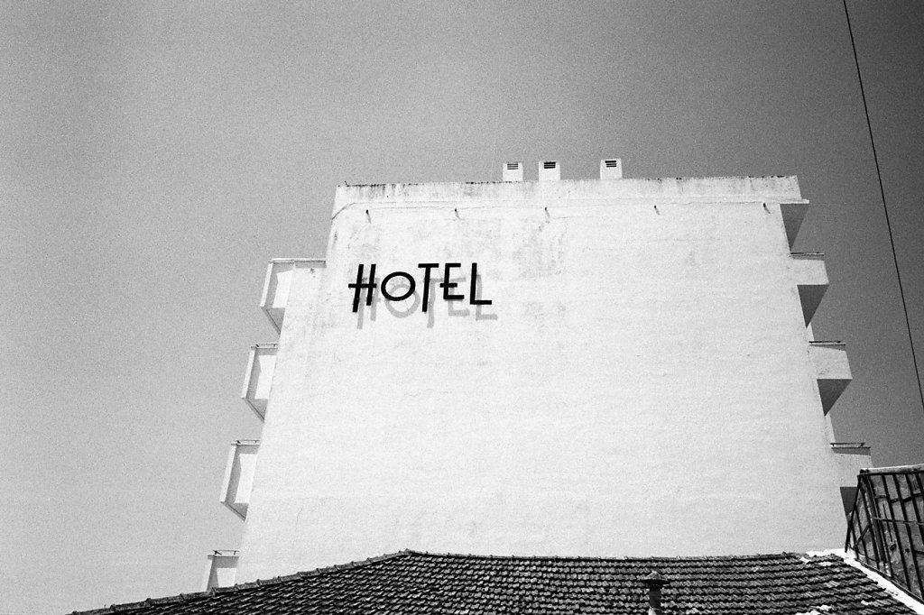 8520-hotel-rd1300-Photo18-18.jpg