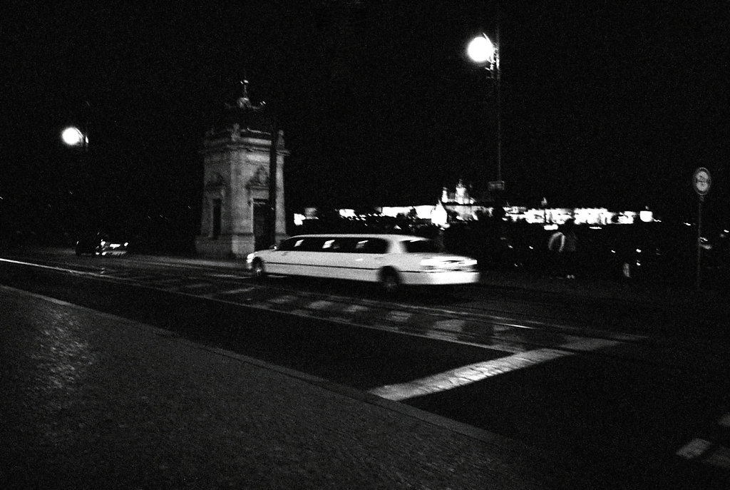 limousine-H-W-Photo32-32-2-rd1350.jpg