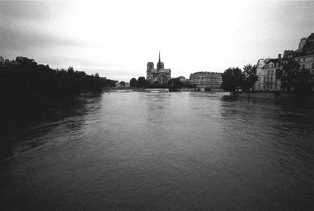 crue-st-louis-W1-Photo02-2-2-rd1350.jpg