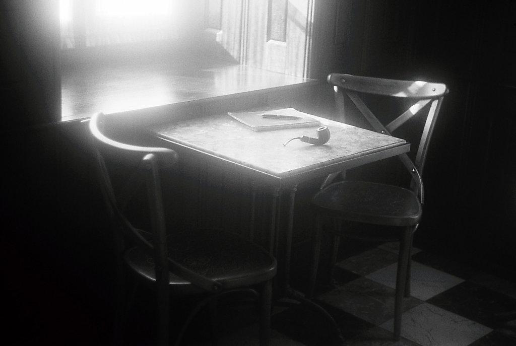 sudek2192-duo-chaises-table-pipe-stylo-IMG-038-2-rd1350.jpg